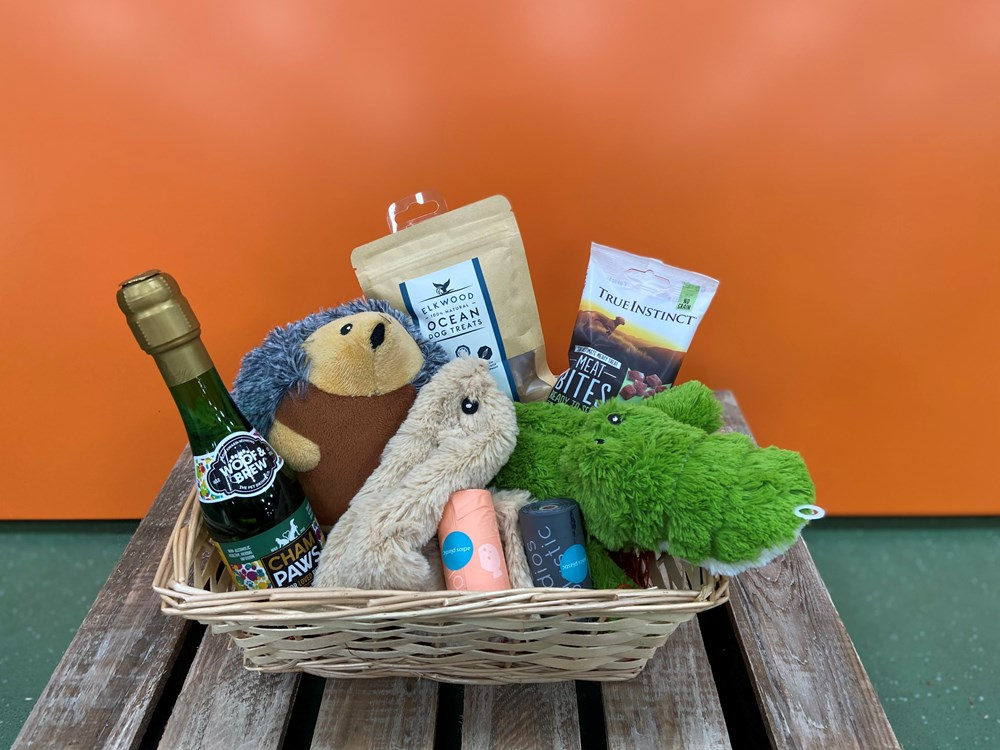 DOGGY GIFT WRAPPED HAMPER